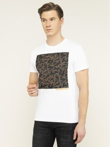 Superdry T-Shirt Ticket Type 3D Camo Tee M1000097A Biały Regular Fit